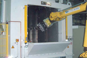 Bild för kategori AGTOS Satellite rotary table blast machine